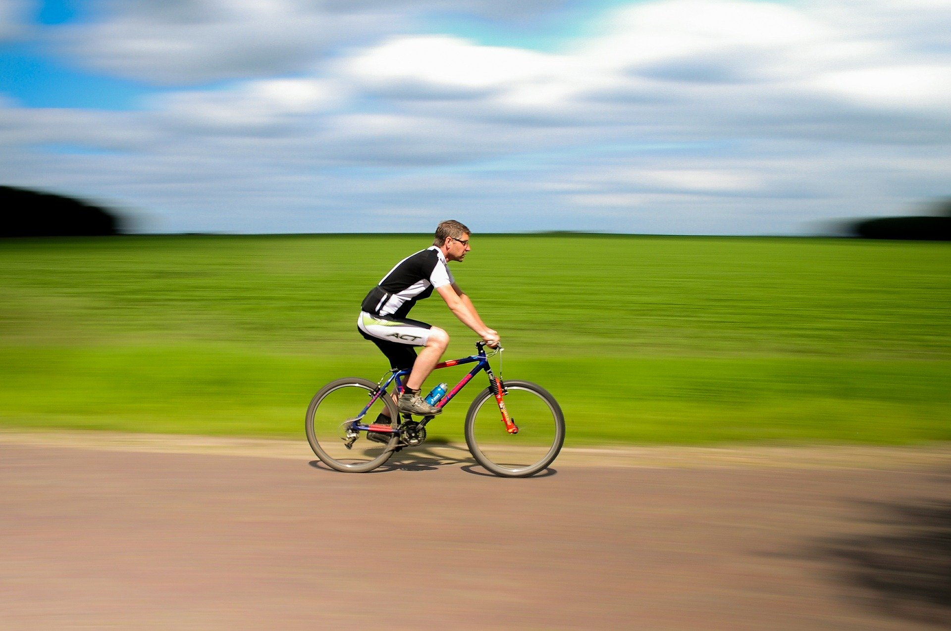 bicycle-384566_1920